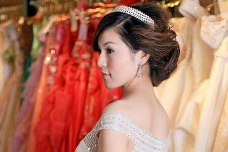 化妆师跟妆婚礼化妆师的选择方法有哪些?