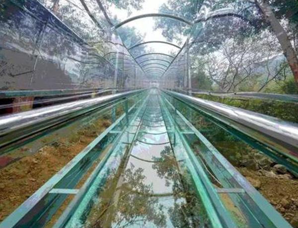 放心的景区玻璃滑道设计怎么做